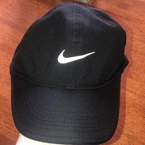Featherlight dri-fit Nike hat